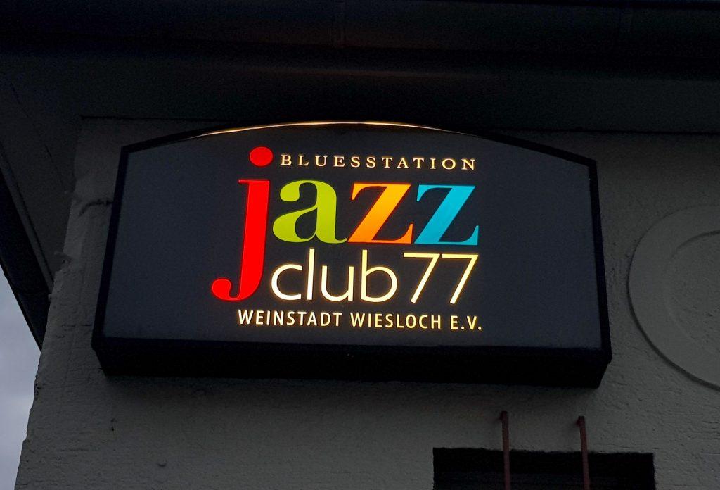 Logo Design Leuchtschild Jazzclub Bluesstation Wiesloch
